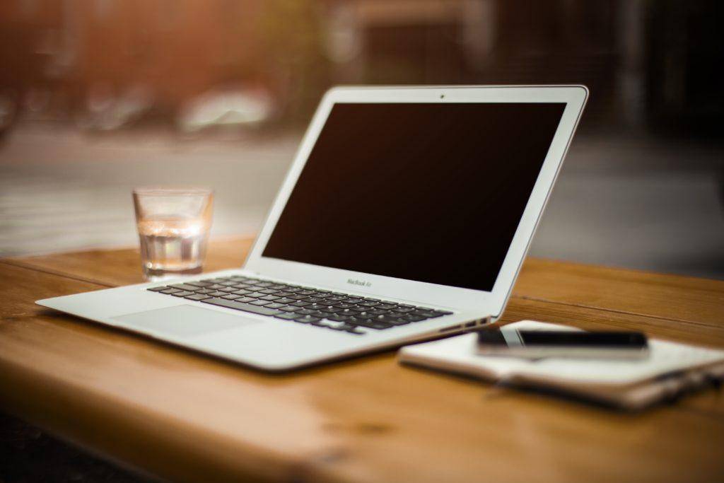 ノートPCデスクトップ