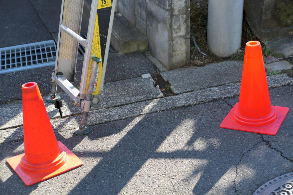 NURO光屋外工事安全対策パイロン