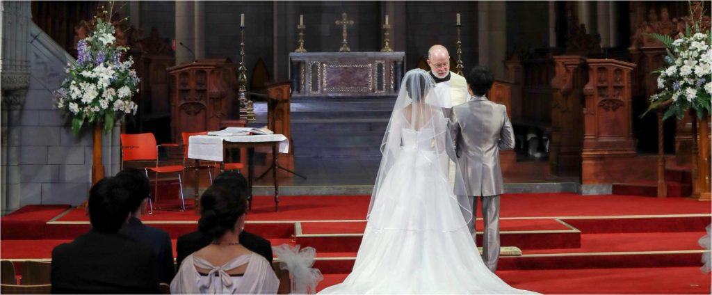 神父牧師最初のお祈り
