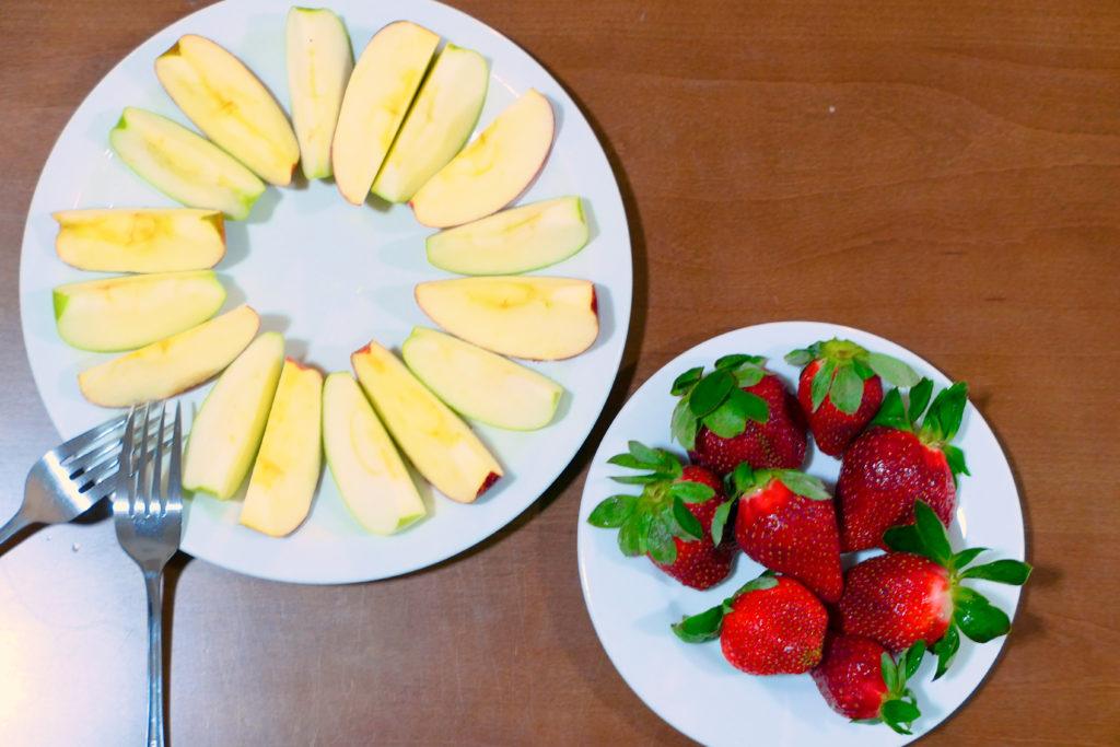カットりんごとイチゴ
