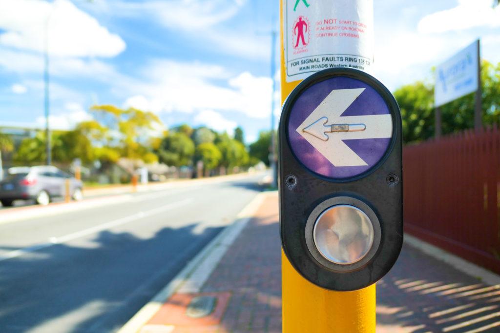 横断歩道ボタン