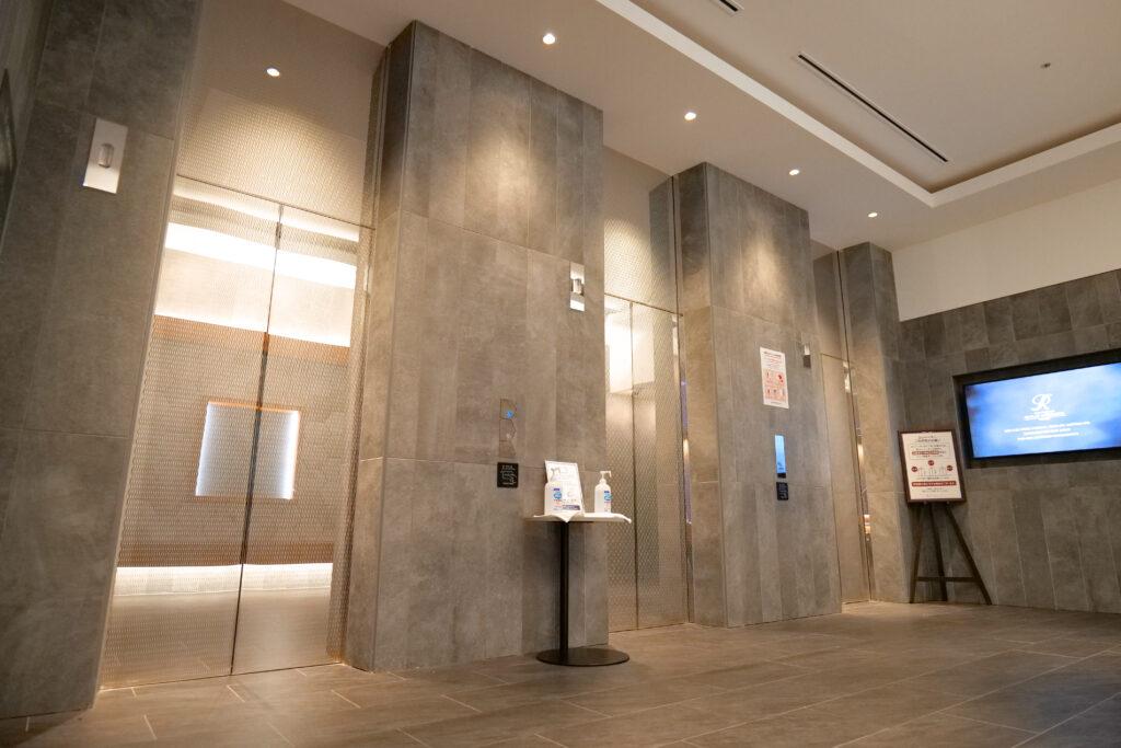 HOTEL & SPA センチュリーマリーナ函館 1階 エレベータホール ドア
