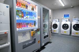 HOTEL & SPA センチュリーマリーナ函館 1階 ランドリーベンダールーム 自動販売機 洗濯機
