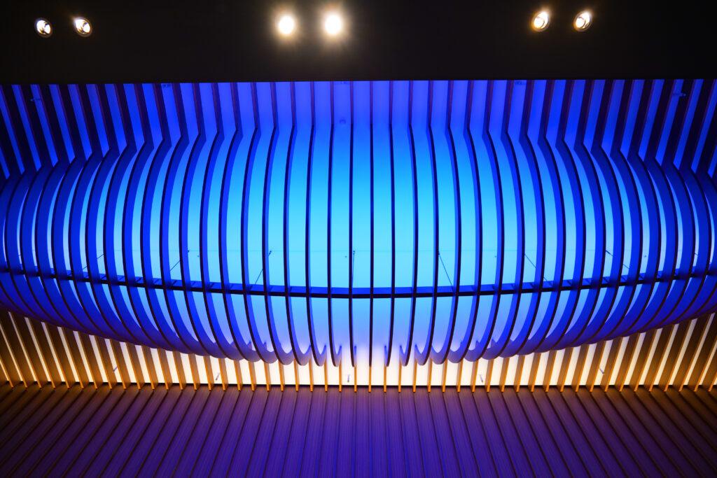 HOTEL & SPA センチュリーマリーナ函館 1階 受付(フロント) 夜 天井 船底