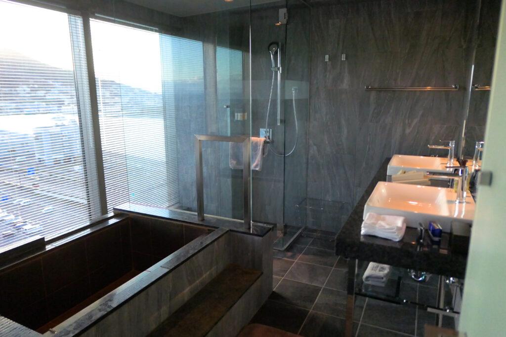 OTEL & SPA センチュリーマリーナ函館 13階 ザロイヤルフロア コーナースイート バスルーム(お風呂場)