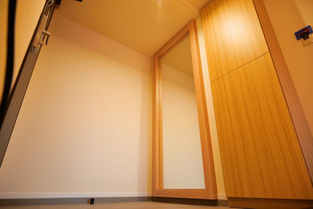 HOTEL & SPA センチュリーマリーナ函館 13階 ザロイヤルフロア コーナースイート エントランス(玄関)鏡