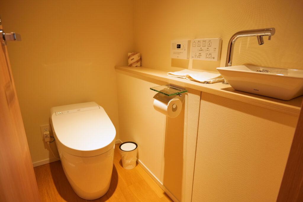HOTEL & SPA センチュリーマリーナ函館 13階 ザロイヤルフロア コーナースイート レストルーム(トイレ・お手洗い)正面