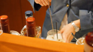 HOTEL & SPA センチュリーマリーナ函館バーボイジャー(BAR VOYAGER)カクテルメイキング ステア(撹拌)タンブラー