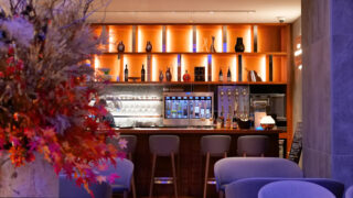 HOTEL&SPAセンチュリーマリーナ函館バーボイジャー(BAR VOYAGER)店内ビュークローズアップアイキャッチ