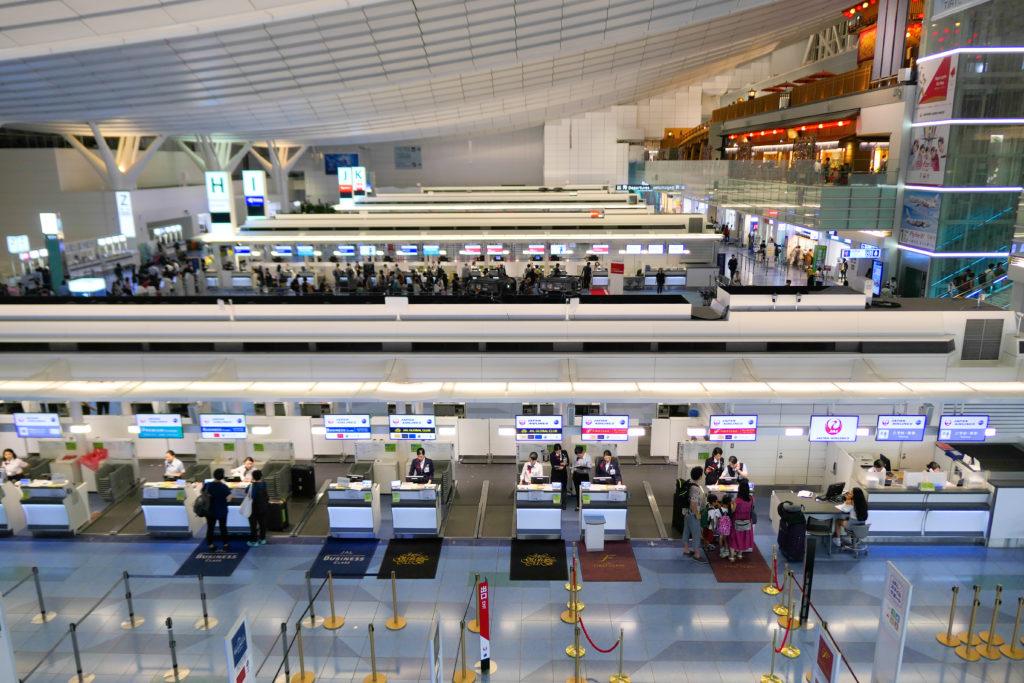 羽田空港第3ターミナル(国際線)3階夜眺望