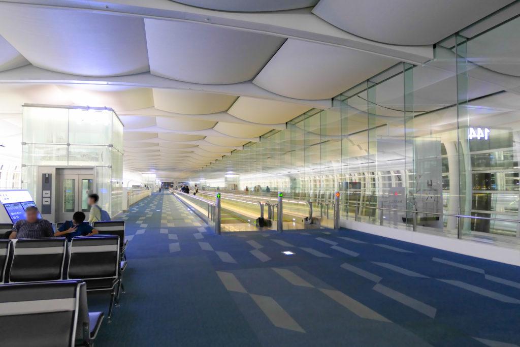 羽田空港第3ターミナル(国際線)エアサイド145番ゲート付近