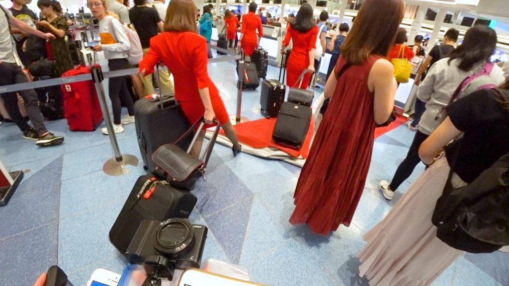 羽田空港第3ターミナル(国際線)Kカウンターレッドカーペット