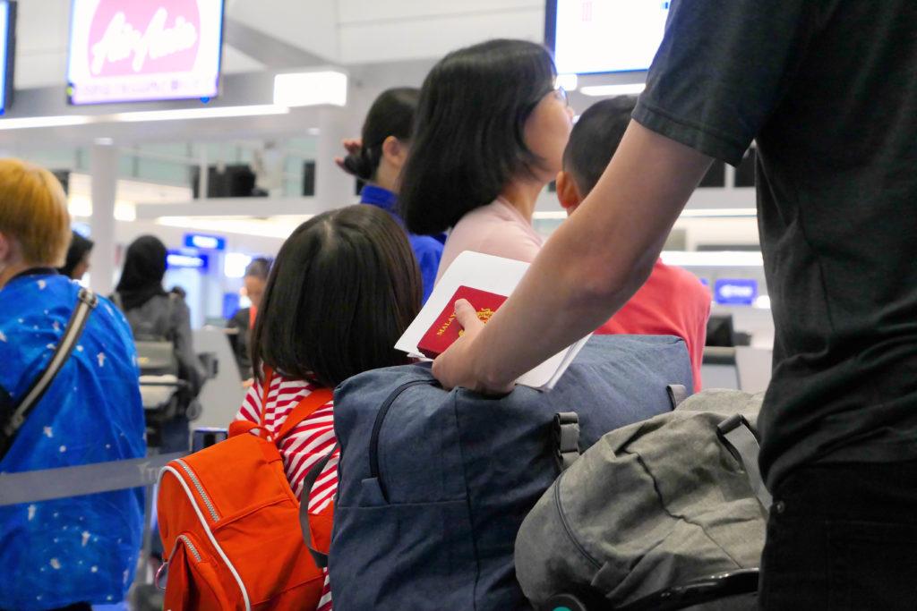 羽田空港第3ターミナル(国際線)KカウンターWebチェックインラインマレーシア人パスポート