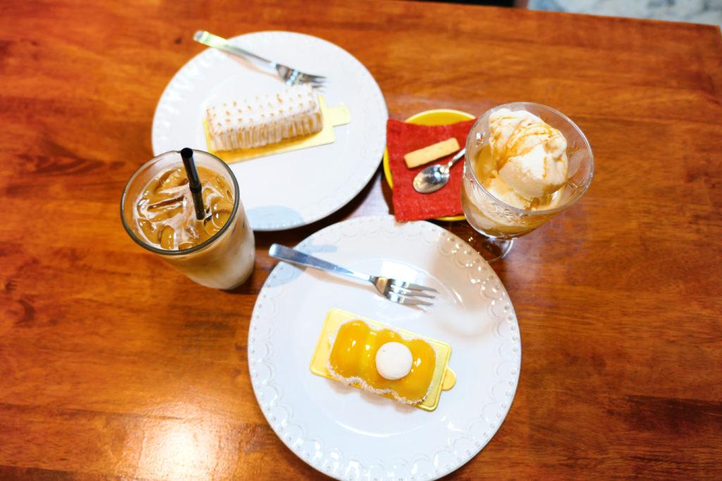 Heesan Kopi(囍叁隔壁)飲み物とスイーツ