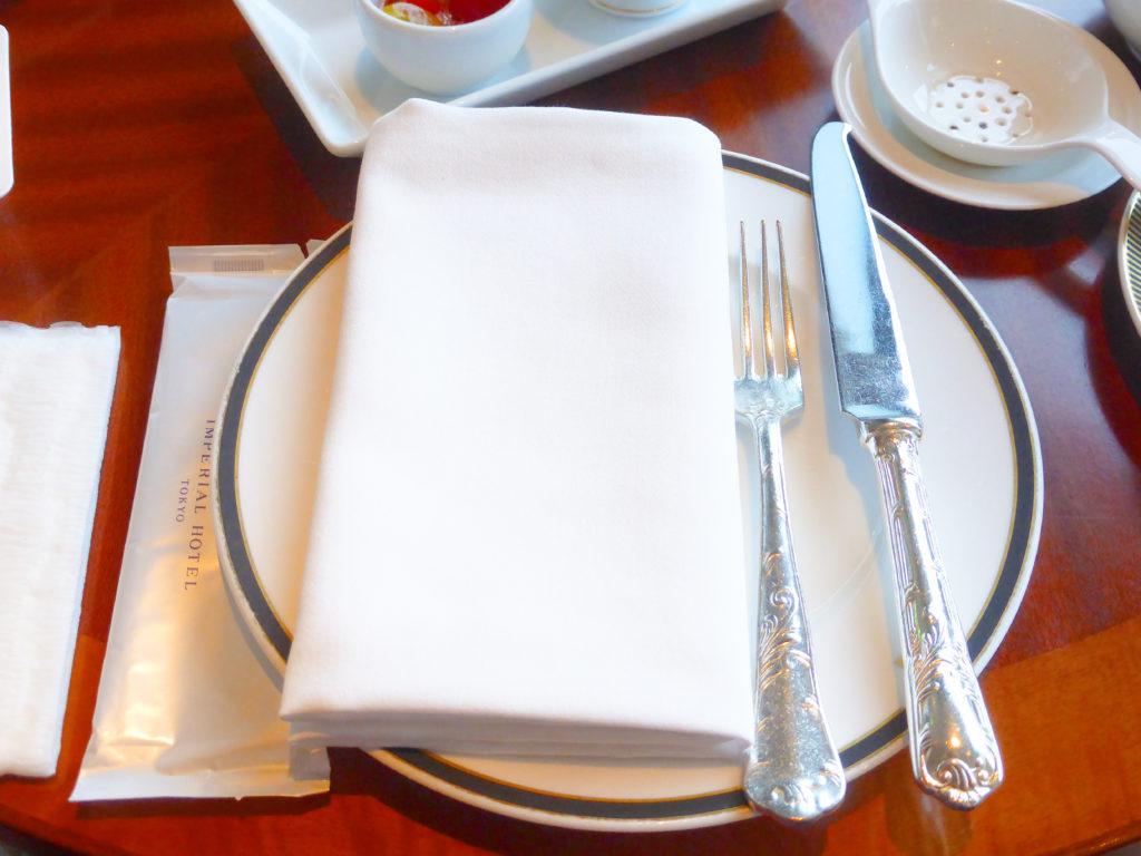帝国ホテル東京 インペリアルラウンジ アクア テーブルセッテイング