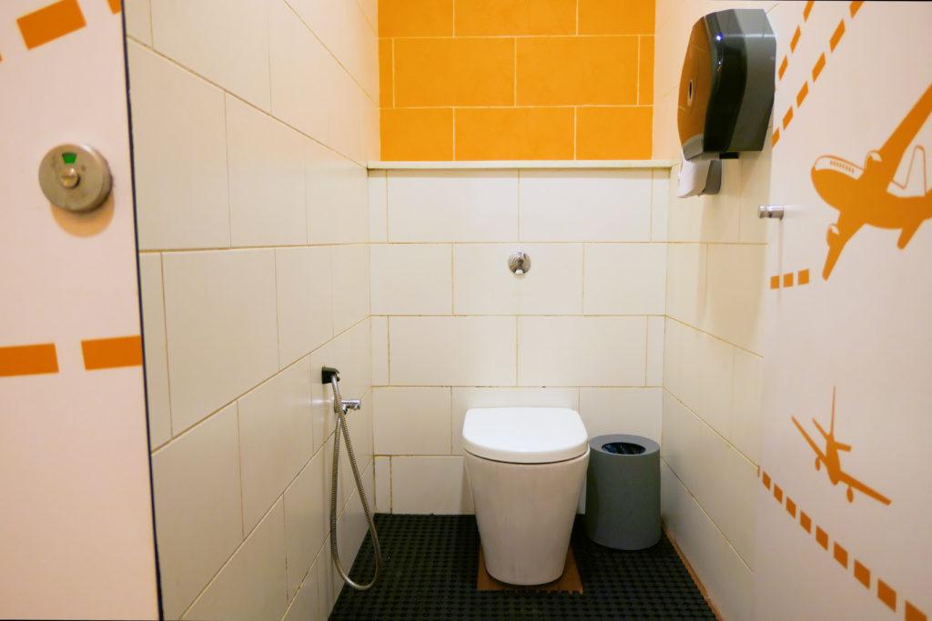 クアラルンプール国際空港KLIA2トイレ正面