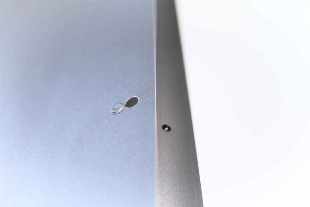 LENTION 16インチMacBook Pro 2019 全面保護シルバースキンシール 液晶保護フィルム 5テンセット 3M技術4H硬度(スペースグレイ)ネジ穴シール取り外し