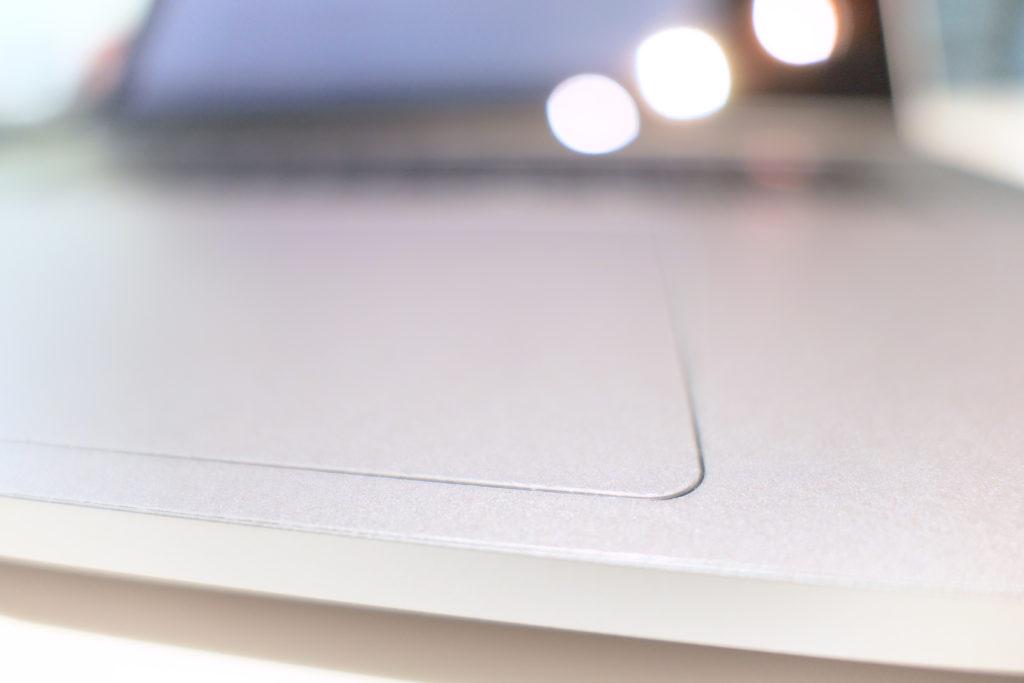 LENTION 16インチMacBook Pro 2019 全面保護シルバースキンシール 液晶保護フィルム 5テンセット 3M技術4H硬度(スペースグレイ)トラックパッド下角