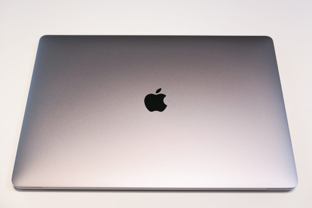 Macbook Pro 16インチ Ultimateモデル 上面