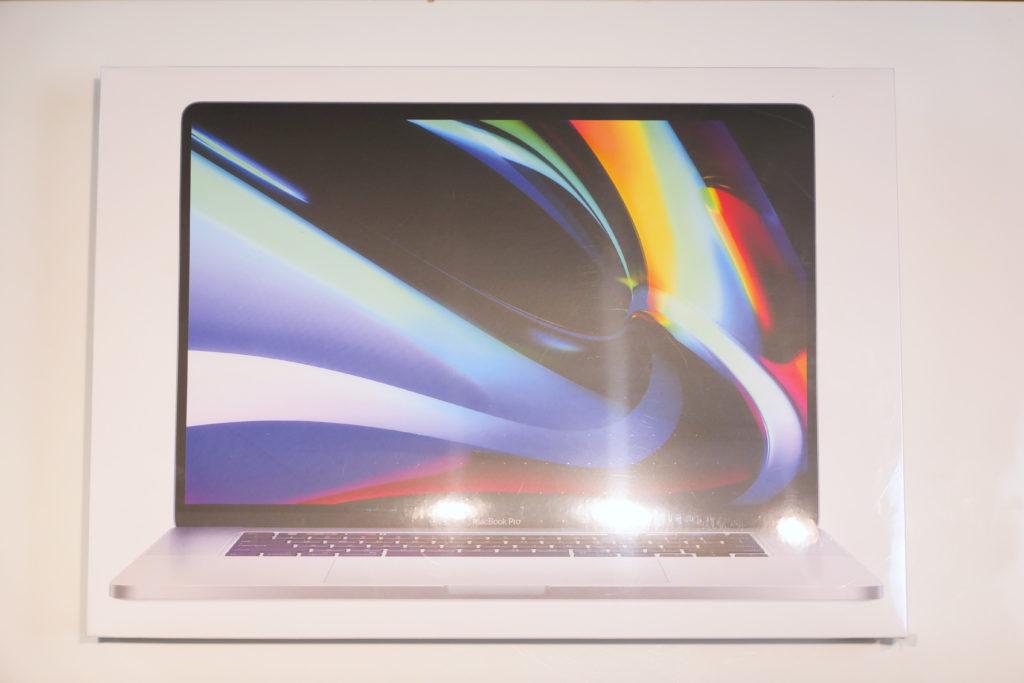 Macbook Pro 16インチ Ultimateモデル ラップ付箱上面