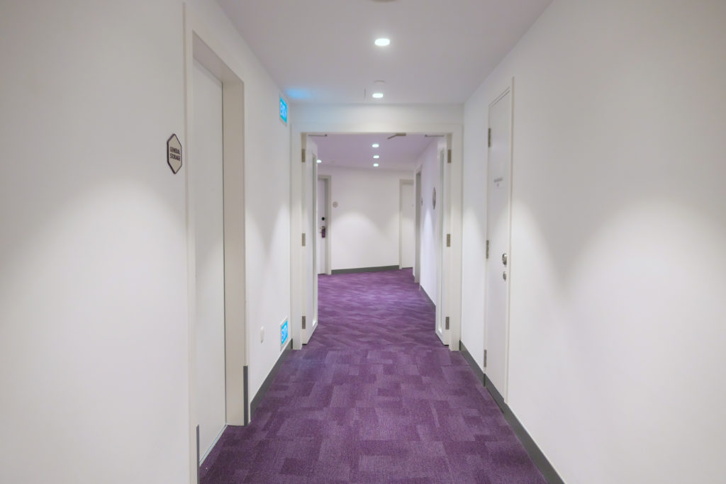 ヨーテルエア シンガポール チャンギ エアポート 廊下